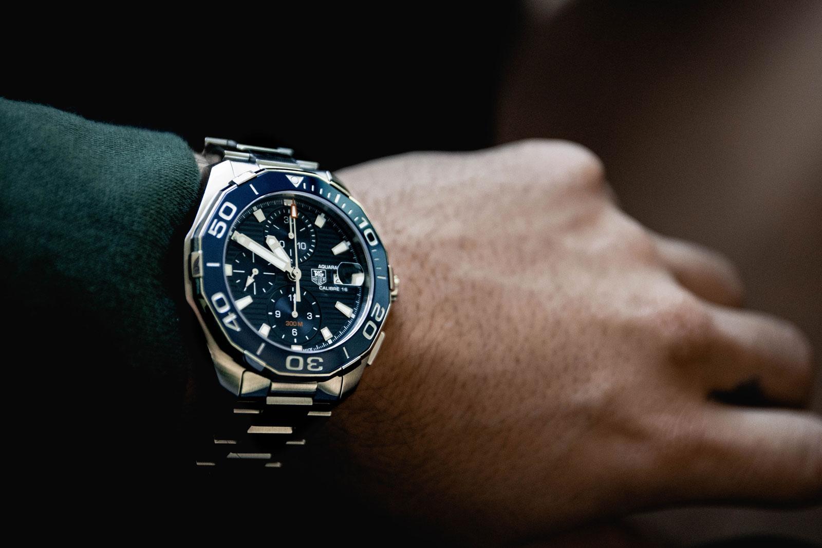 Vente en ligne, les marques horlogères de luxe investissent dans le social shopping