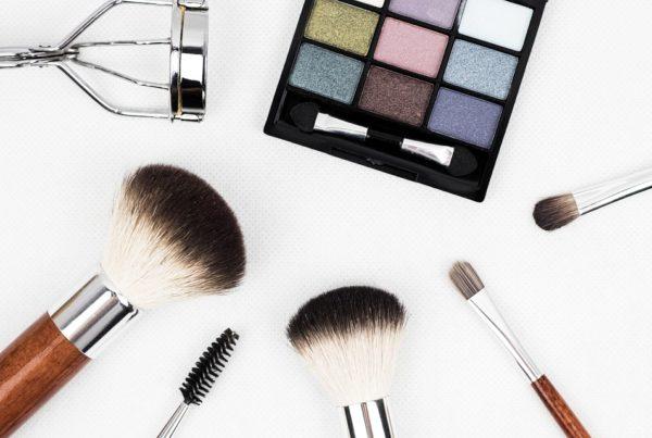 Google et YouTube sont les deux moteurs d'influence dans le parcours d'achat du secteur de la beauté